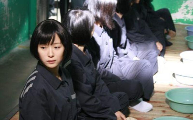 一名女子對監獄的自述:女囚犯生理需求不滿足,饑不擇食,獄卒、清潔工都不放過!沒想到她們晚上竟然還.....  -