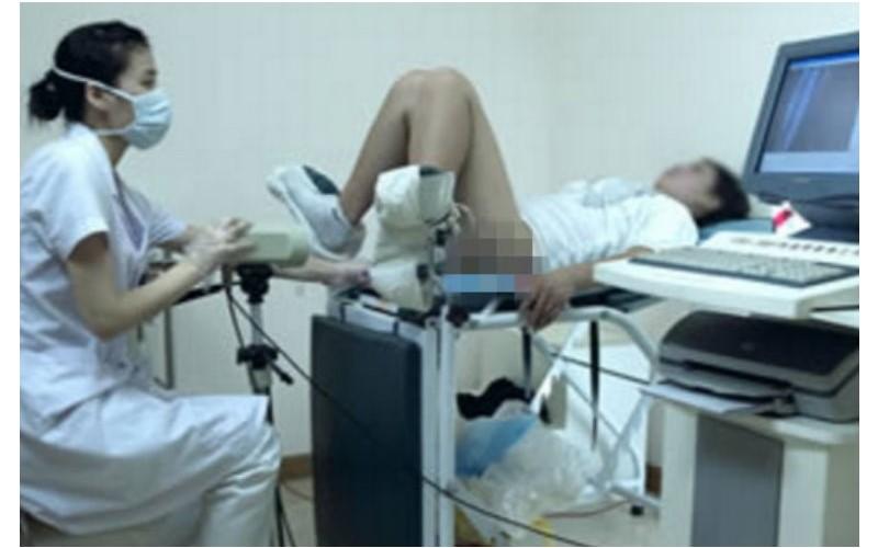 「唉呦好臭喔!」女大生第一次被內診竟被嫌,護理師居然還說出更誇張的話...!  -