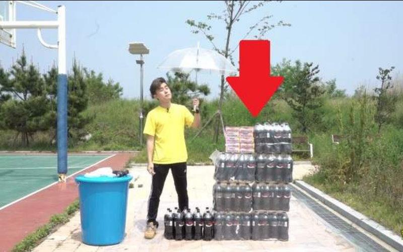 網友實驗將《100條曼陀珠倒入100瓶可樂中》!結果居然跟想像中不一樣!  -