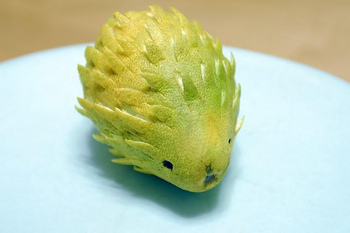 哆啦A梦版柚子   加菲猫造型柚子   刺猬造型柚子   网友们真的各