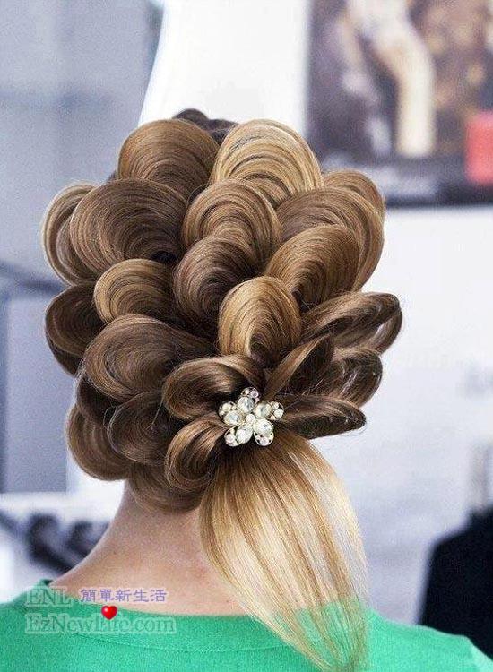 这种梦幻快手,叫花仙子?丸子上发型头软件图片