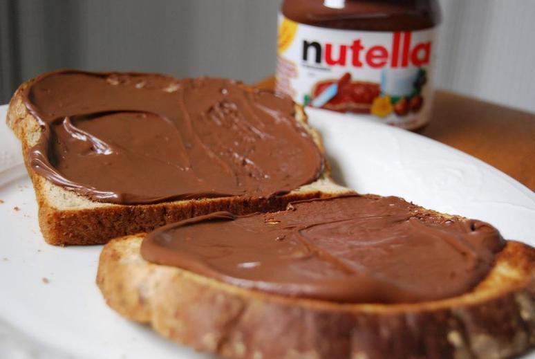 2ac480fc13_1434016808_En-smeer-naar-hartenlust-Nutella-op-je-brood-elke-ochtend__list-noup