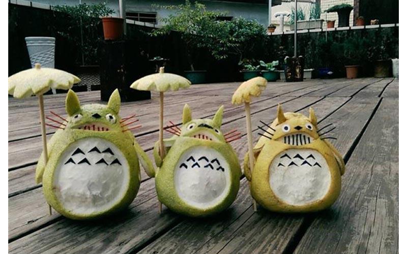 網友用柚子做了三隻龍貓,沒想到幾天後龍貓竟然變成喪屍?!