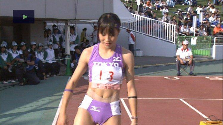 田徑場上的駱駝蹄  可愛女選手們的貼身短褲竟意外成為大家的焦點