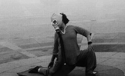 廣場舞「大媽最後的倔強!」上班路過拍下這照片…攝影師哭惹!-6