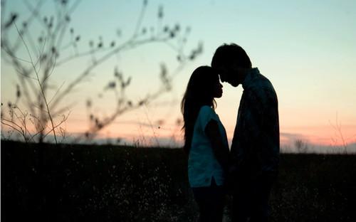 couple,hug,iloveyou,kiss,love,sun-6fcce4881ce35ef1dd767783f7fc398a_h